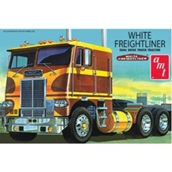 1:25 White Freightliner Dual Drive Tractor (AMT620)